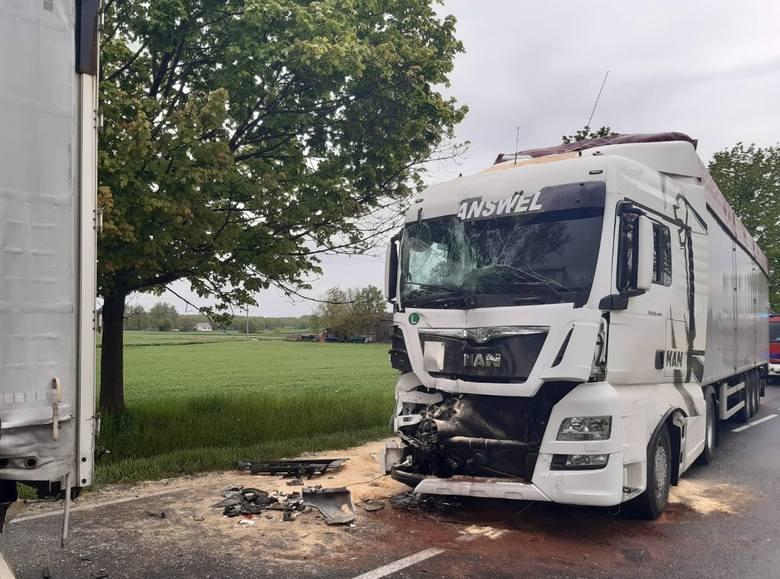 Wczoraj, 19 maja, ok. godz. 13  brodnicki dyżurny otrzymał zgłoszenie o zderzeniu dwóch ciężarówek i zablokowanej drodze krajowej nr 15 w miejscowości