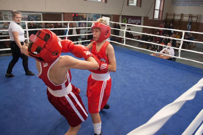 W sobotę 8 grudnia w odbył się turniej bokserski Pierwszy krok z Energą organizowany przez SKB Energa Czarnych Słupsk. Zapraszamy do galerii zdjęć z