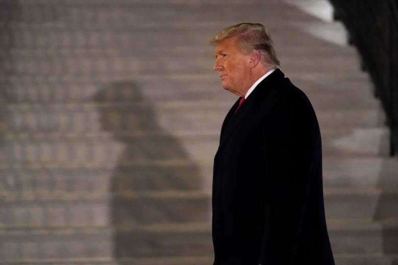 Donald Trump może ułaskawić ostatniego dnia swoich rządów nawet sto osób. Czy ułaskawi też siebie?