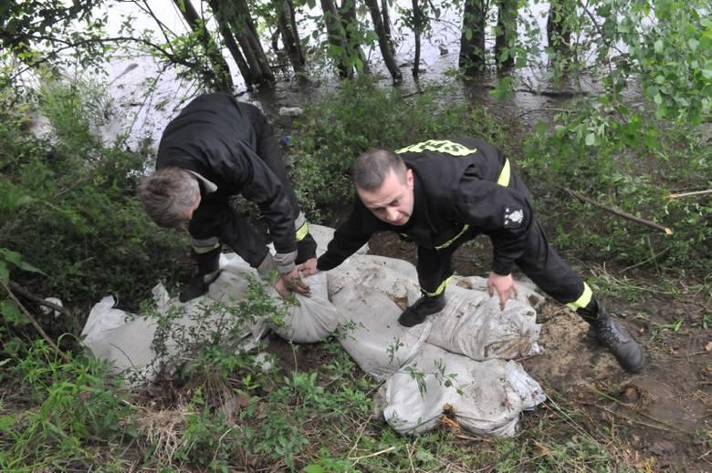 Stan alarmowy na OdrzePrzygotowania do powodzi