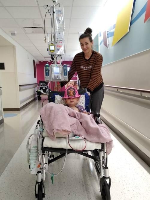 Julia Zawodna-Klimowicz to mieszkanka Plewisk, która z powodu choroby córki Matyldy wraz z rodziną wyjechała na Florydę. Tam jednak okazało się, że sama potrzebuje pomocy, ponieważ zdiagnozowano u niej złośliwy nowotwór. Na swoje leczenie potrzebuje blisko 4 mln zł.