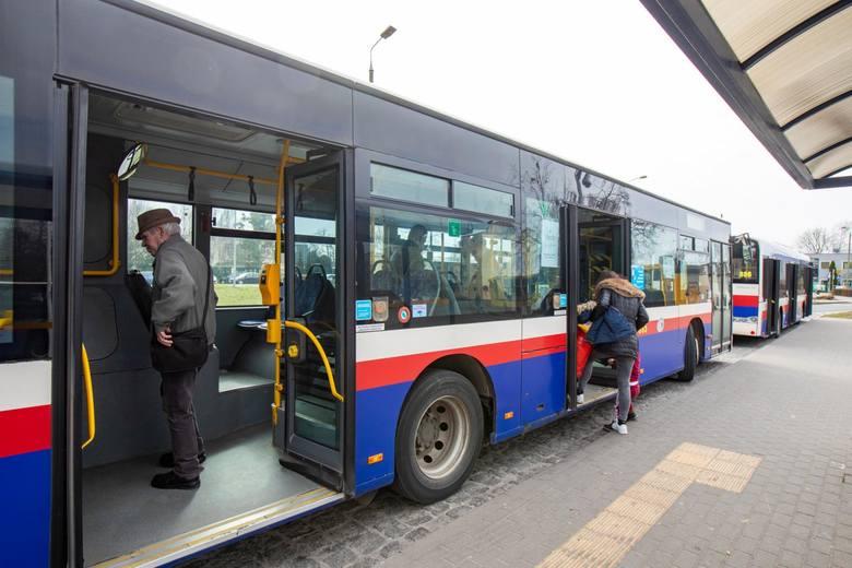 Jeszcze przed wakacjami zmieni się trasa linii nr 58. Po oddaniu do użytku ul. Siedleckiej autobusy obsłużą północną część osiedla Czyżkówko. Skróci