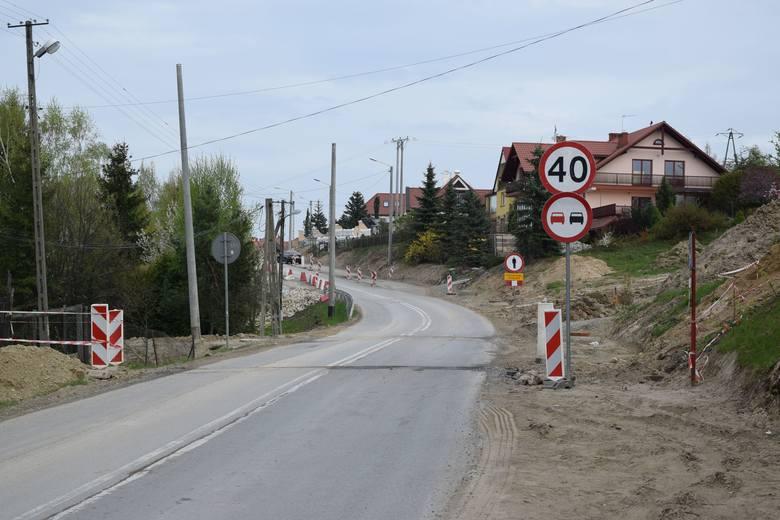 Trwa przebudowa drogi od ulicy świętego Marcina do granic miasta. Kiedy zakończy się remont i co zmieni się na drodze?Zakres inwestycji realizowanej