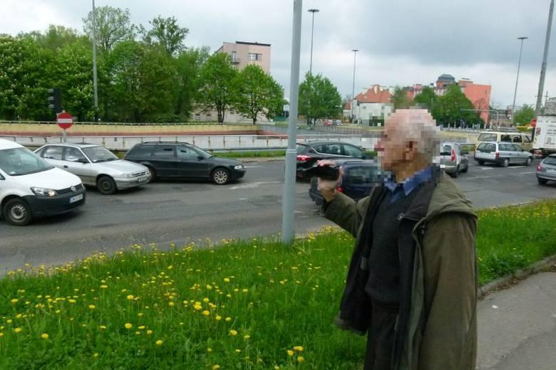 Pan Roman - postrach kierowców. Filmuje wykroczenia. Czy można się obronić przed jego nagraniami?