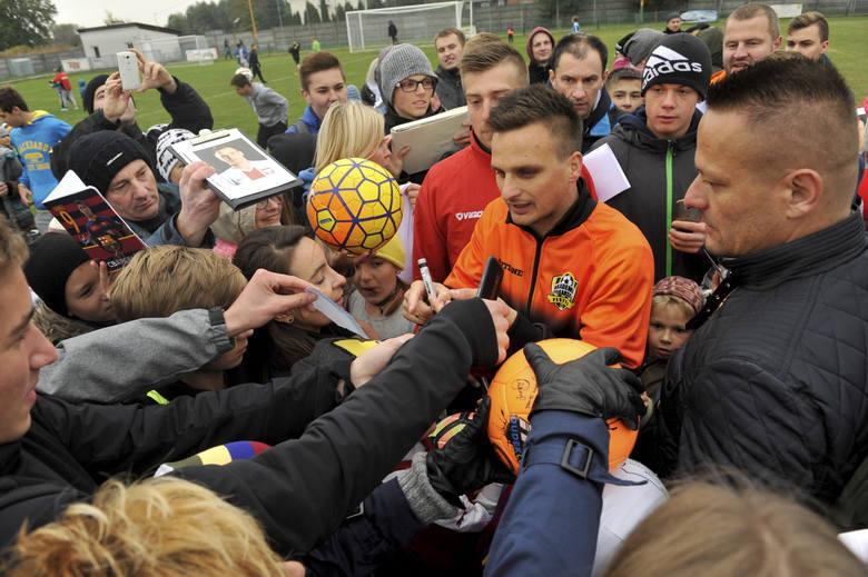 Za nami 7. kolejka PKO Ekstraklasy. Jak grali piłkarze z Podkarpacia?W zestawieniu bierzemy pod uwagę zawodników, którzy znaleźli się w meczowych kadrach.