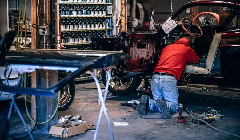 Część mechaników próbuje naciągnąć swoich klientów na wymianę części, które są całkowicie sprawne i nie potrzebują żadnych ingerencji. Najczęściej do