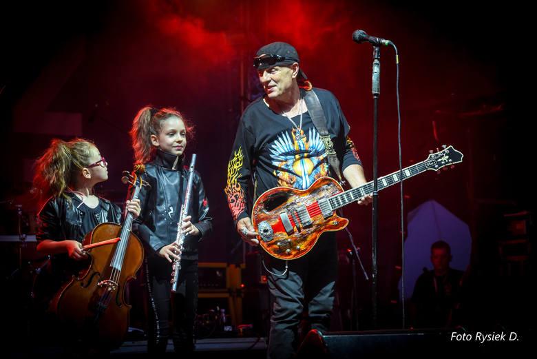 RockBlu Festival 2019: W Przywidzu zagrali m.in. Nowak, SBB, Lika, Jaryczewski, Tymański, Shandy&Eva, Kodymowski, Abradab. Zdjęcia: Ryszard