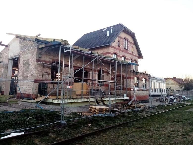 - Prace przy obu projektach powinny zakończyć się w wakacje – informuje Paweł Tymaszan, wójt gminy Deszczno.