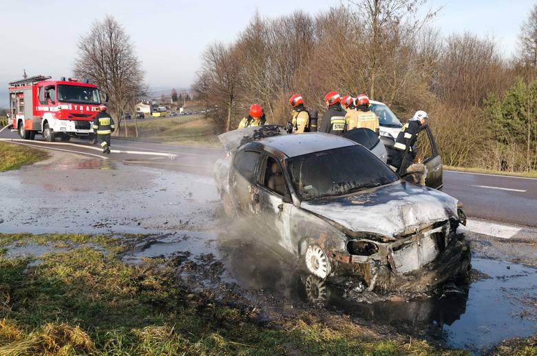 Do zdarzenia doszło na drodze wojewódzkiej nr 884 w Reczpolu (gm. Krzywcza) koło Przemyśla. Osobowe daewoo uległo awarii w środę. Kierujący pojazdem,