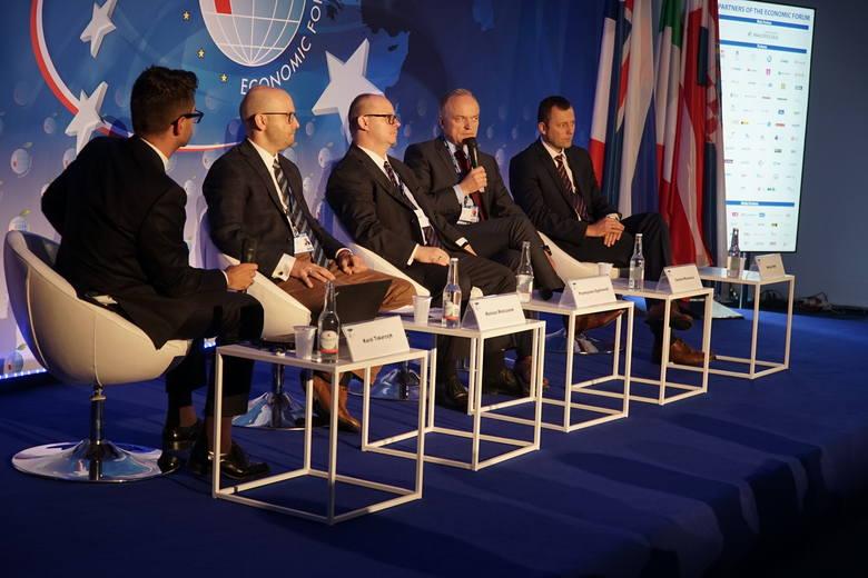 Poczta Polska: Operatorzy pocztowi zmieniają się w operatorów logistycznych