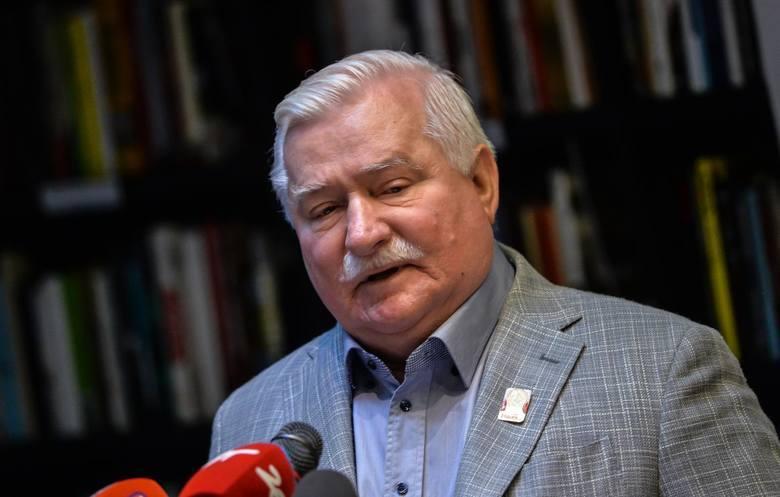 """Lech Wałęsa reaguje na informacje o propozycji zmian w podręczniku historii. Mówi o """"kłamliwej prowokacji obecnych władz polskich""""."""