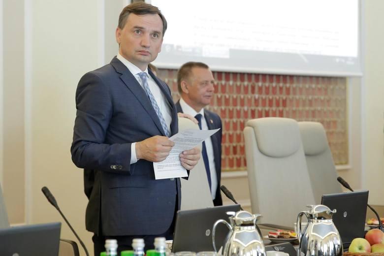 Afera w Ministerstwie Sprawiedliwości. Rzecznik PiS: Nie ma planu odwołania ministra Zbigniewa Ziobry
