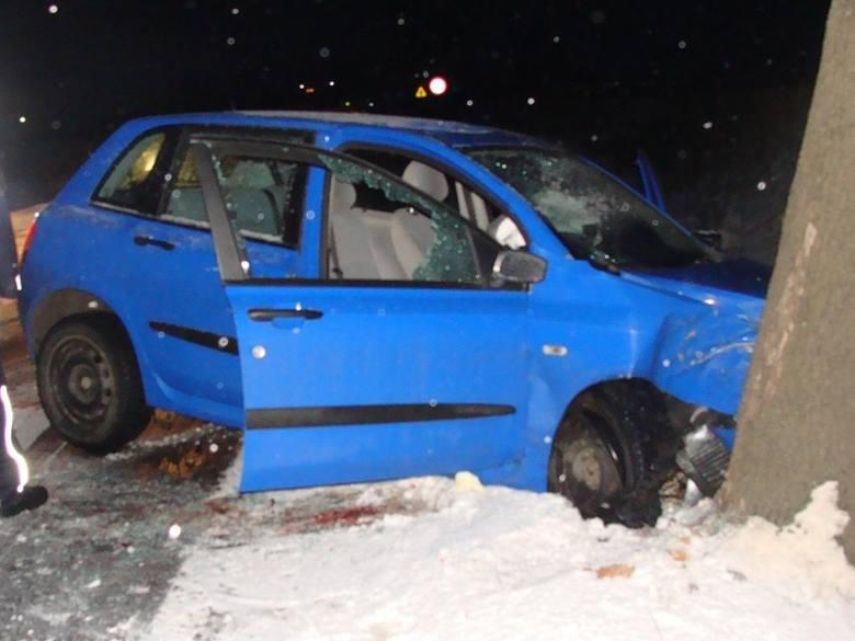Jadąc do wypadku policjanci z Sierakowa rozbili nieoznakowany radiowóz.