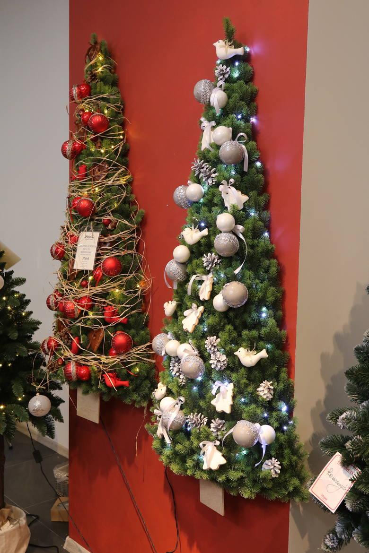 Zielona, pachnąca, czeka jedynie na odpowiednie ozdoby, by zachwycać domowników przez całe święta. Choinka w Boże Narodzenie jest centralną ozdobą każdego