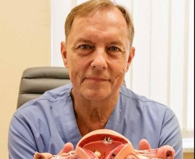 Prof. Krzysztof Sodowski zachęca kobiety do badań: Możemy szybko reagować operacyjnie, jesteśmy skuteczni w leczeniu
