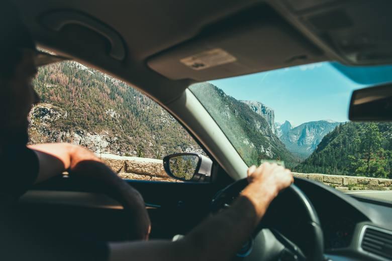 Starasz się o pracę, gdzie sporą część czasu będziesz musiał spędzić za kółkiem? Piszesz w CV, że masz prawo jazdy. To zwykle oznacza, że jeździsz płynnie,