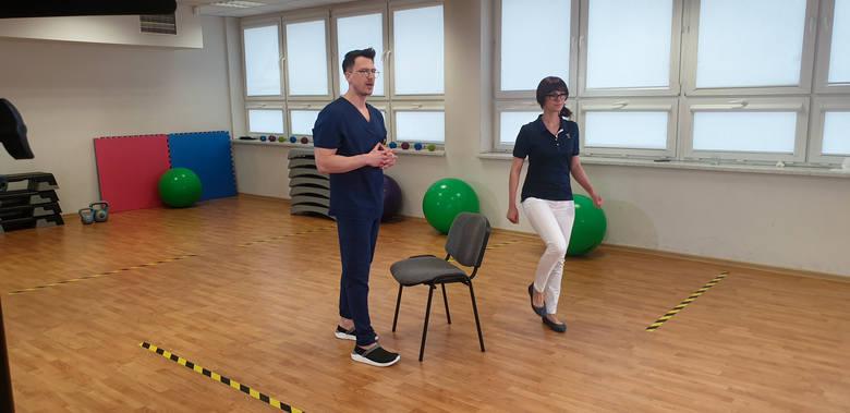 Fizjoterapeuci UCK w Katowicach pomagają odzyskać sprawność chorym po COVID-19