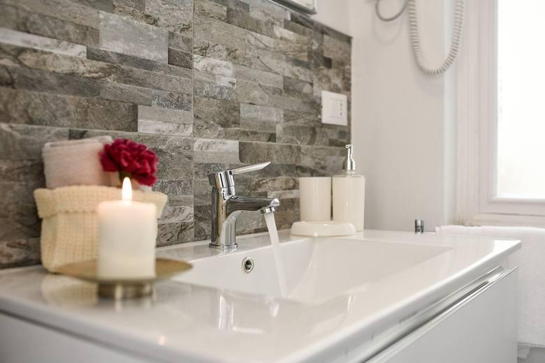 Sprawdź w naszej galerii 10 pomysłów na aranżacje małej łazienki>>>