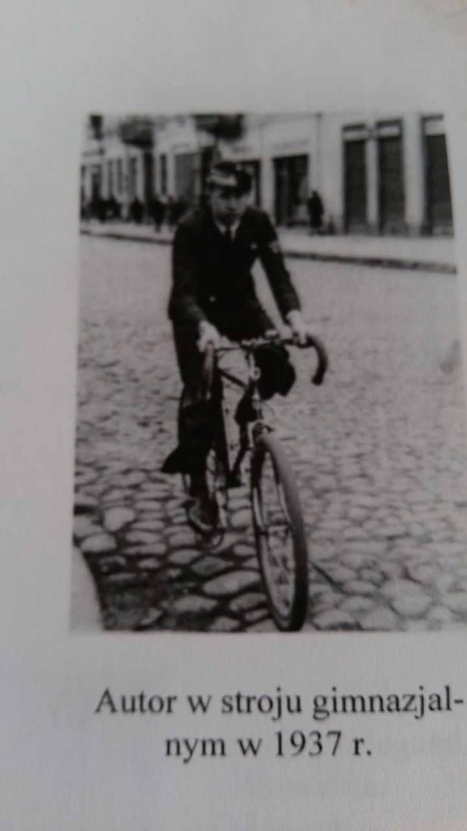 Mieczysław Kostecki w 1937 r. jako uczeń Gimnazjum im. Piłsudskiego w Białymstoku