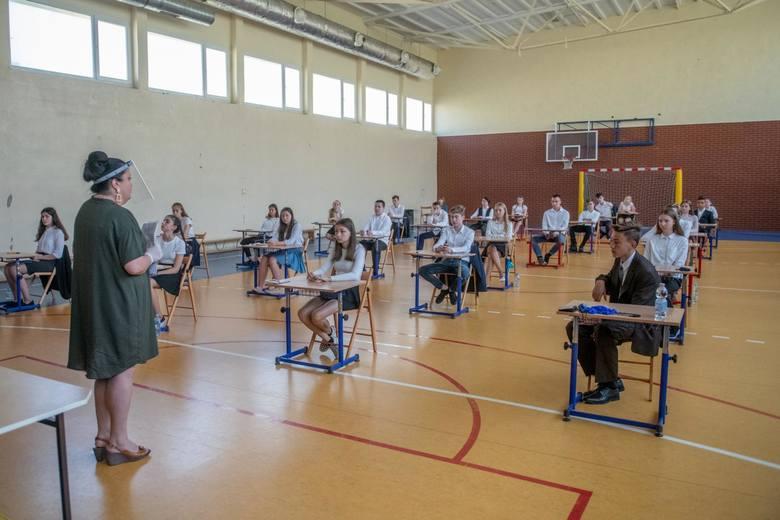 Wyniki egzaminu ósmoklasisty 2020. Wiemy, jak poradzili sobie podlascy uczniowie