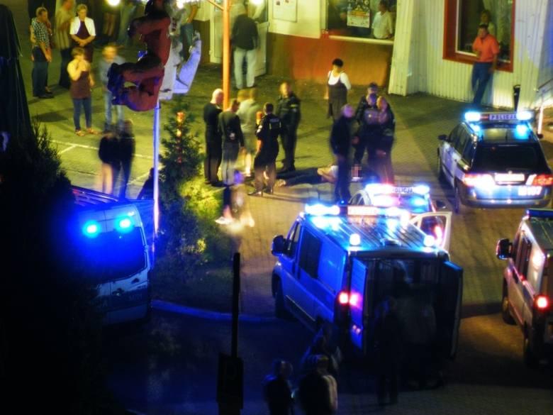 Ul. Wierzbowa. Interwencja policji przed klubem (zdjęcia)