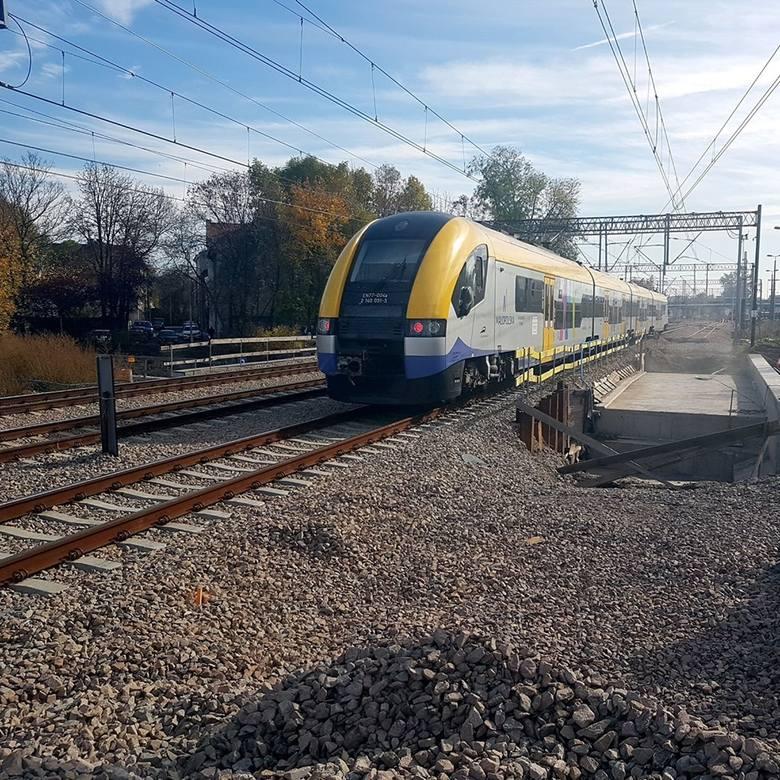 Nad ul. Kamienną powstaje nowy wiadukt kolejowy