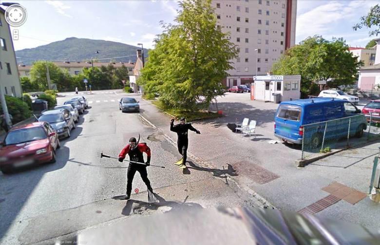 Google Street View to okno na cały świat, które pozwala zobaczyć z poziomu ulicy tysiące miast. To okno jest jednak otwarte szerzej, niż moglibyście