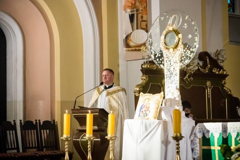 W niedzielę (18.10. 2020) ks. Krzysztof Buchholz, proboszcz parafii pw. Najświętszego Serca Pana Jezusa w Bydgoszczy, odprawił mszę świętą, podczas której