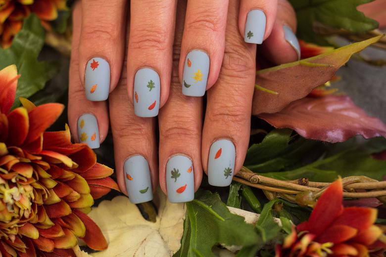 paznokcie na jesień jesienne paznokcie wzory trendy inspiracje kolory na jesienne paznokcie