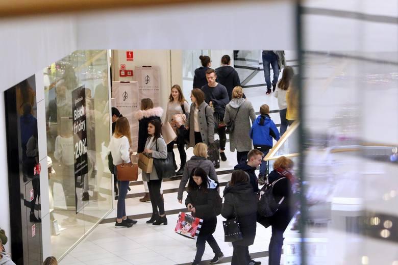 Niedziele handlowe w grudniu 2018. Kiedy sklepy będą czynne?