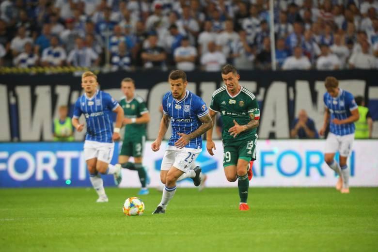 Lech Poznań przegrał ze Śląskiem Wrocław 1:3. Kibicom trudno było pogodzić się z tym rezultatem, ale warto dodać, że nie pożegnali piłkarzy gwizdami,