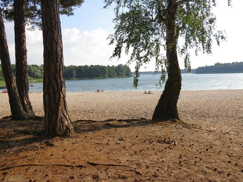 Przyjezierze nad jeziorem Ostrowskim w gminie Jeziora Wielkie, to ulubione miejsce letniego wypoczynku mieszkańców Inowrocławia oraz  innych miejscowości
