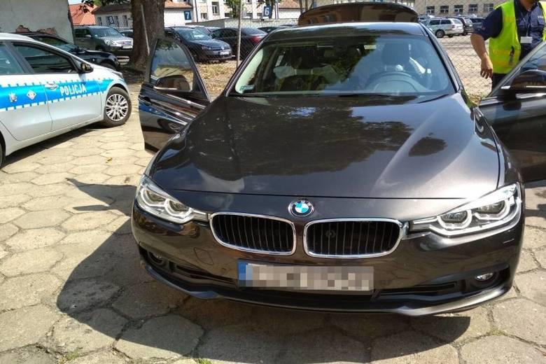 Takimi samochodami jeżdżą piłkarze pierwszoligowego ŁKS Łódź