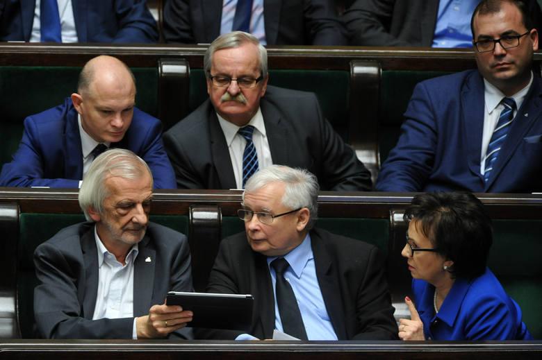 Kataryna: Wielu ludzi myślało, że będzie inaczej, choć może Kaczyńskiego nie lubili. Wierzyli, że coś się zmieni, że scena polityczna się przewietrzy,