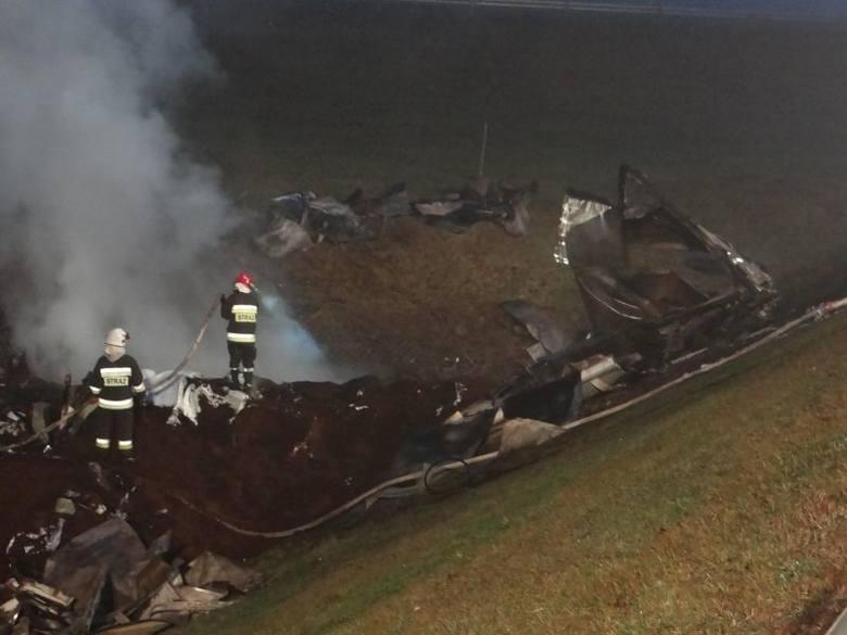 Śmiertelny wypadek na obwodnicy Zambrowa. Dwaj Łotysze spłonęli w kabinie (zdjęcia, wideo)