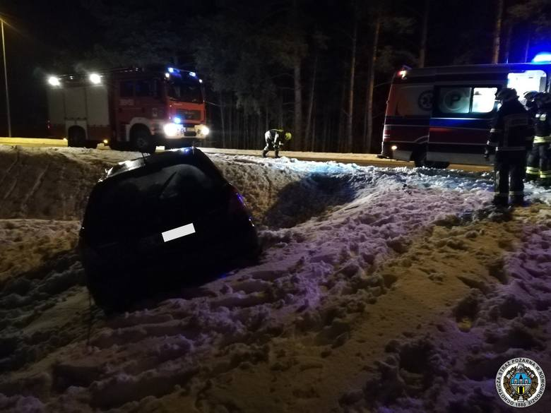 W sobotę, przed godz. 5, na drodze wojewódzkiej 648 pomiędzy Morgownikami a Ptakami doszło do wypadku.