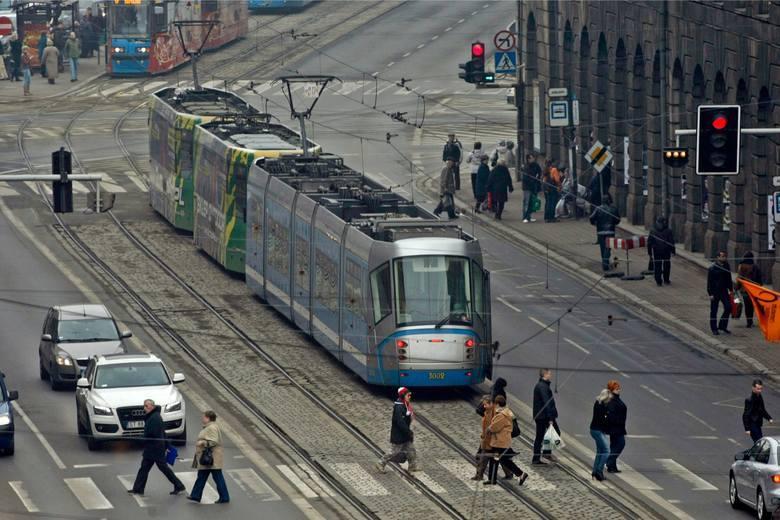 Od soboty, z powodu remontu zwrotnic na skrzyżowaniu Piłsudskiego/Świdnicka, pasażerów MPK dotyka tramwajowa rewolucja