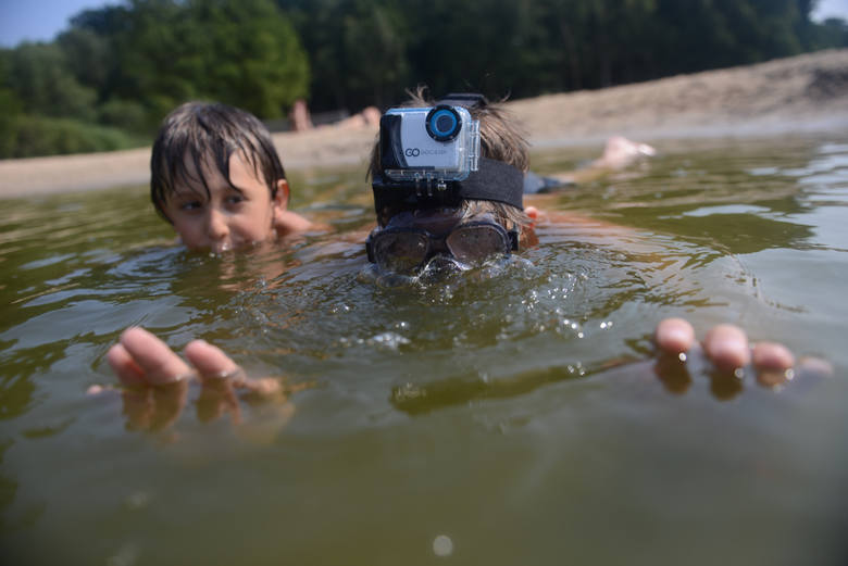 Mimo że sezon kąpielowy rusza już jutro, nie wiadomo czy będzie można legalnie korzystać z kąpielisk nad Soliną.