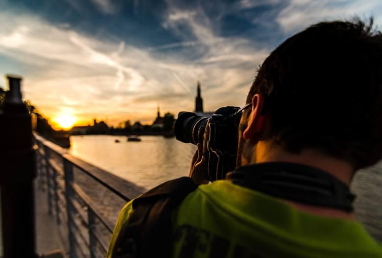 To nie Photoshop, a niezwykłe zdjęcia Wrocławia. Czasem nie zdajemy sobie sprawy, w jak pięknym mieście mieszkamy. Wschody i zachody słońca są tylko