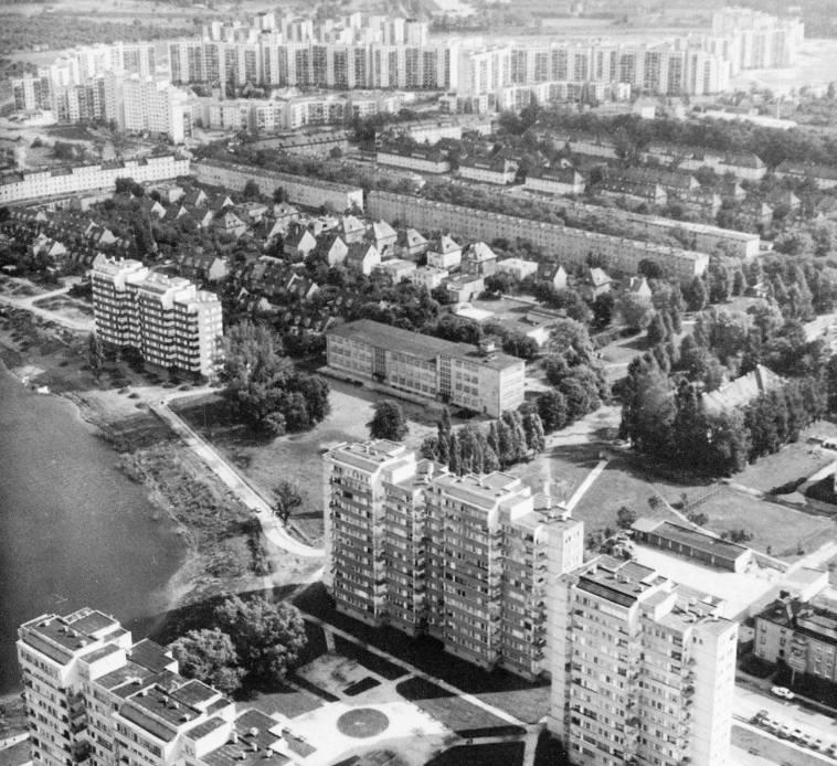 Widok znad ulicy Lotniczej w kierunku Kozanowa