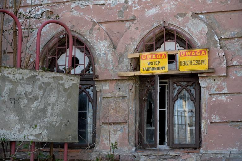 """Kilka lat temu na ul. Sienkiewicza w Przemyślu funkcjonowała popularna restauracja """"Barcelonka"""". Gmach należał do Polonii Przemyśl,"""