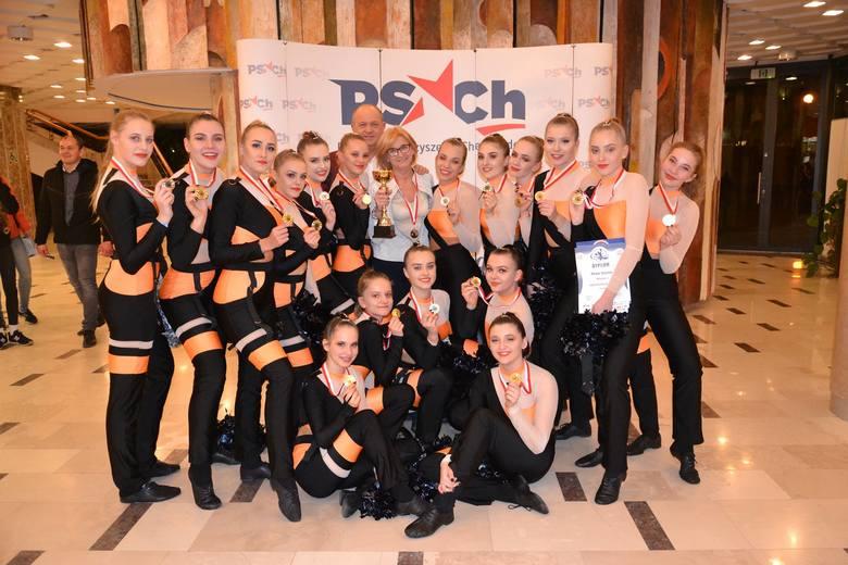 Podczas XXII Mistrzostw Polski Cheerleaders w Kielcach seniorki Maxi Cheerleaders zdobyły złoty medal! To wielki sukces słupskiego zespołu. Wielkie emocje,
