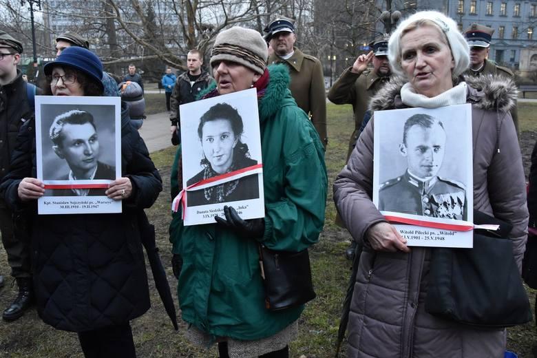 Uroczystość patriotyczna 1 marca - podobnie jak przed rokiem - odbędzie się pod pomnikiem na pl. Wolności.