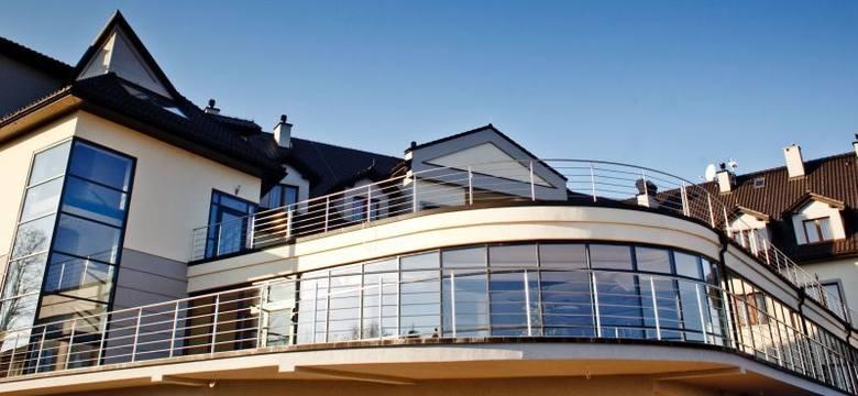 Przeszklenia mają umożliwić gościom podziwianie wspaniałego widoku rozciągającego się z okien hotelu.