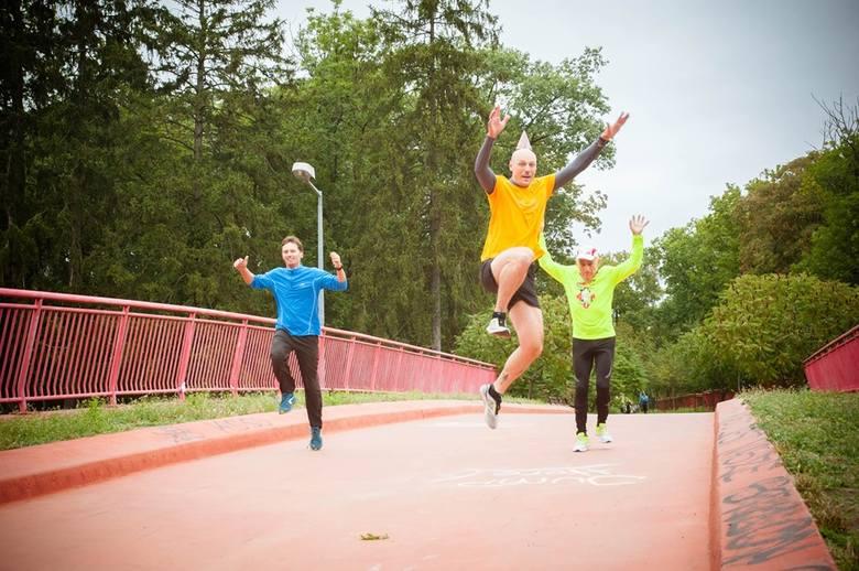 Parkrun Gorzów Wielkopolski, to cykliczne, bezpłatne biegi na 5 km z pomiarem czasu. Miłośnicy aktywnego trybu życia spotykają się w każdą sobotę punktualnie