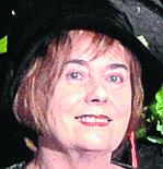 Nauczyciel na medal powiatu opolskiego w szkołach średnich:Irena Lachowska, LO, NiemodlinPani Irena jest emerytowaną nauczycielką, ale wciąż działa aktywnie