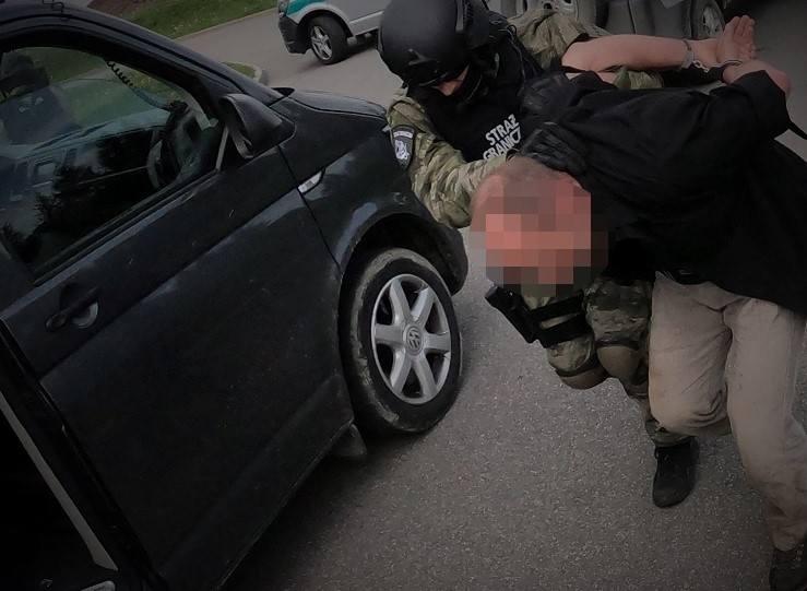 Funkcjonariusze BiOSG rozbili polsko-ukraińską grupę przestępczą zajmującą się organizacją przemytu ludzi z Ukrainy do Wielkiej Brytanii.