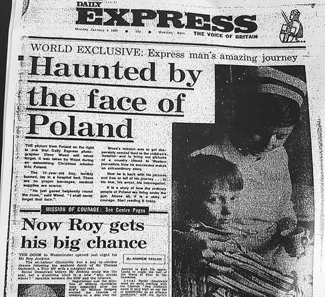 """Na początku 1982 roku w angielskiej gazecie ukazało się zdjęcie małego Zdzisława Rygla. Inna fotografia z sesji dla """"Daily Express"""" znalazła się na wystawie """"My też byliśmy dziećmi"""""""