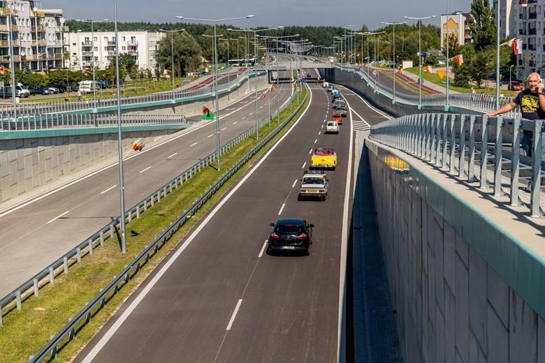 Kierowcy, którzy nie znają osiedli w sąsiedztwie trasy niepodległości mogą się pogubić