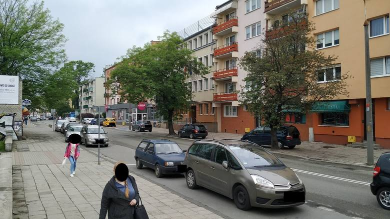 Prace na ulicy Oleskiej oznaczają kilkumiesięczne utrudnienia w rejonie Chabrów i Śródmieścia.